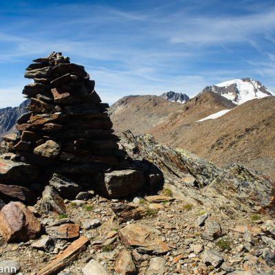 Aufstieg zum Hintereis (3.270m) mit Weißkugel (3.738m) im Hintergrund